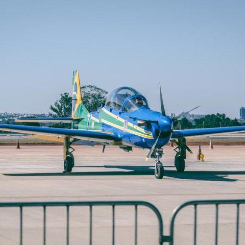 blue-propeller-plane